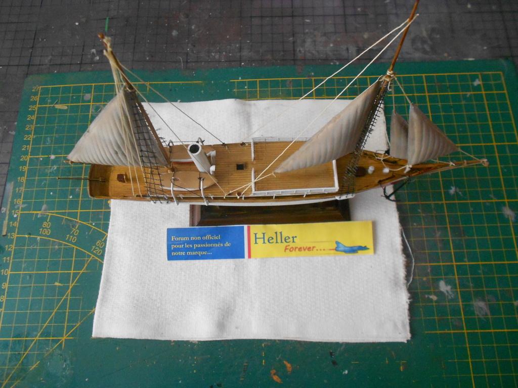 Yacht FAUVETTE 1/200ème Réf 80612 - Page 3 Dscn4900