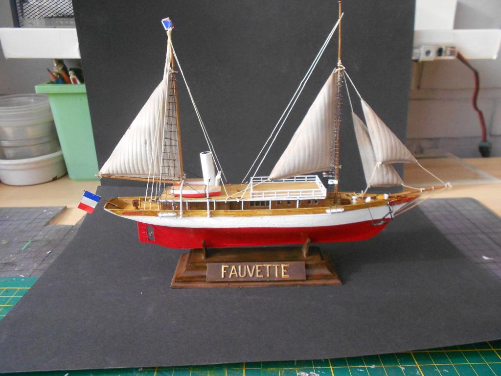 Yacht Fauvette (Heller 1/200°) par dakota59 - Page 2 Dscn4920