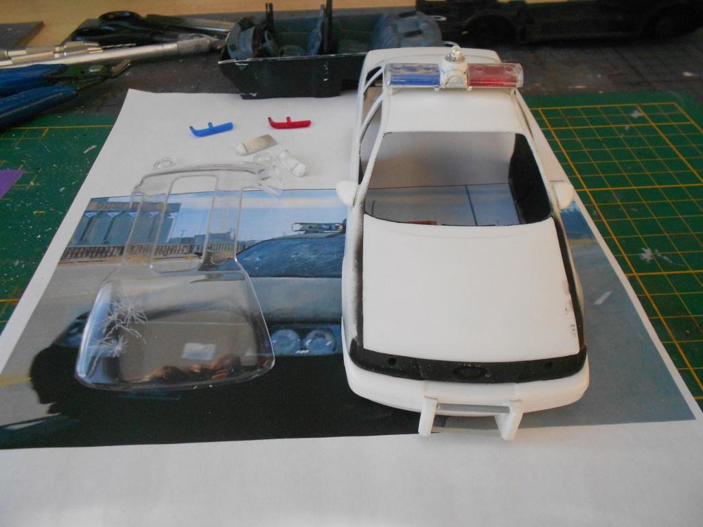 robo1 police car amt 1/25 ford taurus  Dscn4999
