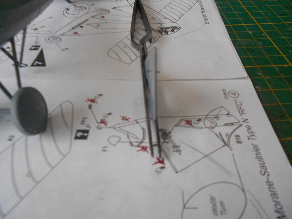 morane-saulnier type n 1/32 special hobby  - Page 2 Dscn5030