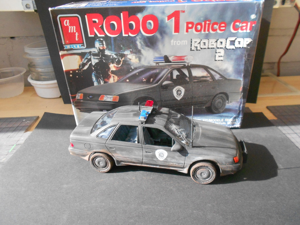 robo1 police car amt 1/25 ford taurus  - Page 2 Dscn5087