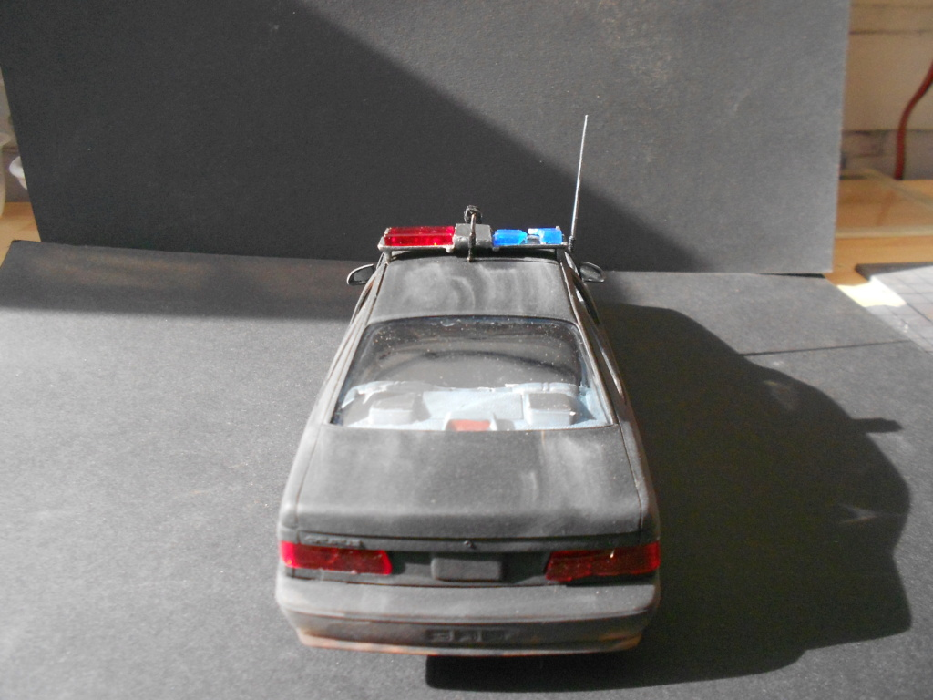 robo1 police car amt 1/25 ford taurus  - Page 2 Dscn5090