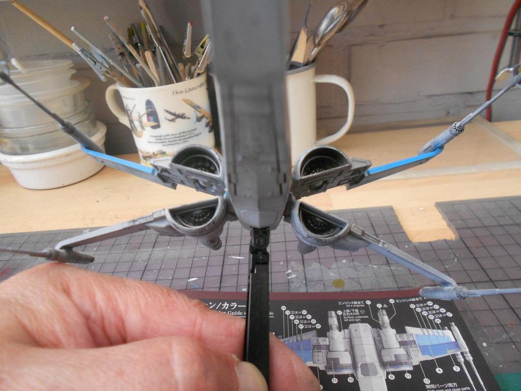 star wars blue squadron resistance x-wing fighter 1/72 bandai  Dscn5592