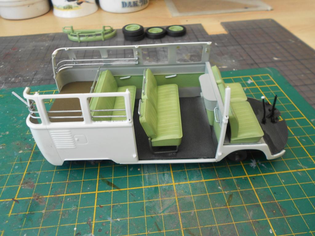 VW T1 Samba bus flower power - Revell - 1/24  Dscn6289