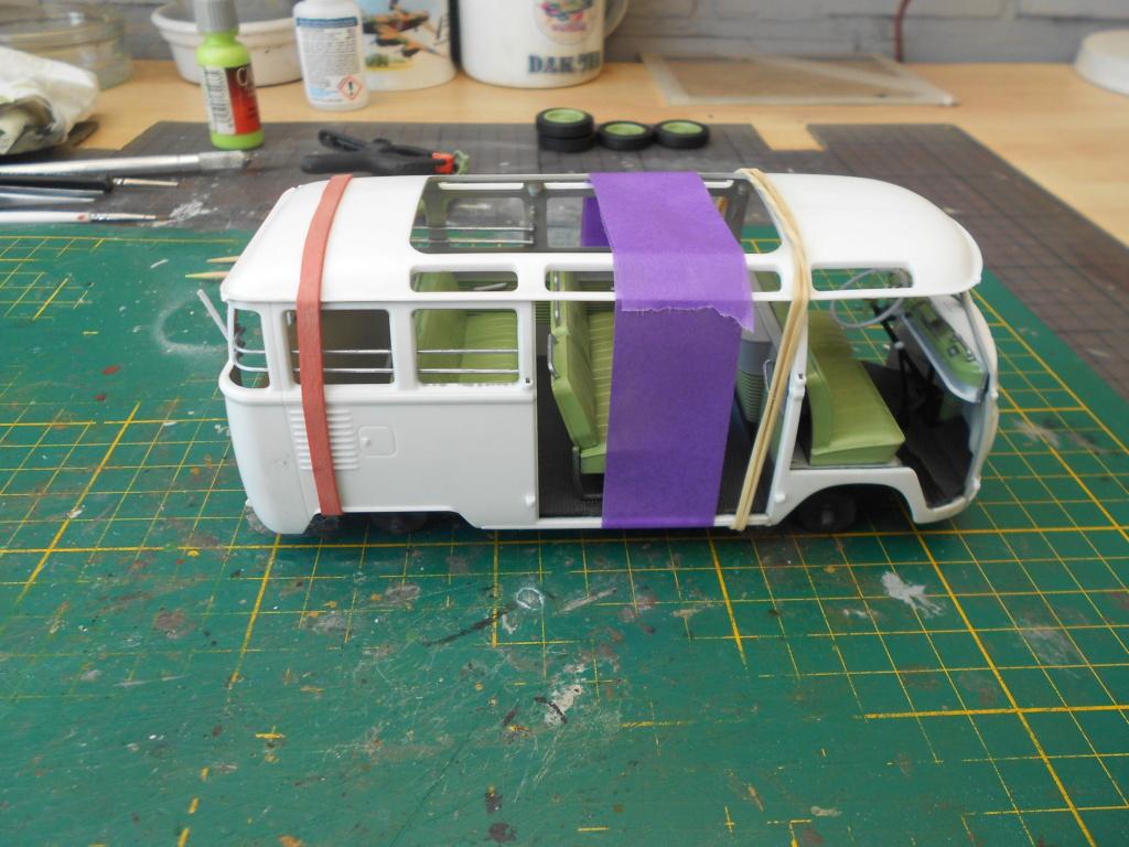 VW T1 Samba bus flower power - Revell - 1/24  Dscn6290