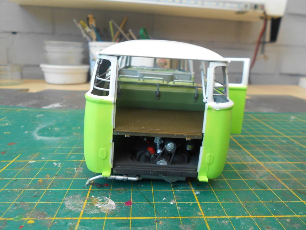 VW T1 Samba bus flower power - Revell - 1/24  Dscn6331