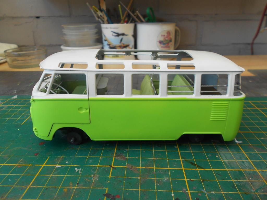 VW T1 Samba bus flower power - Revell - 1/24  Dscn6332