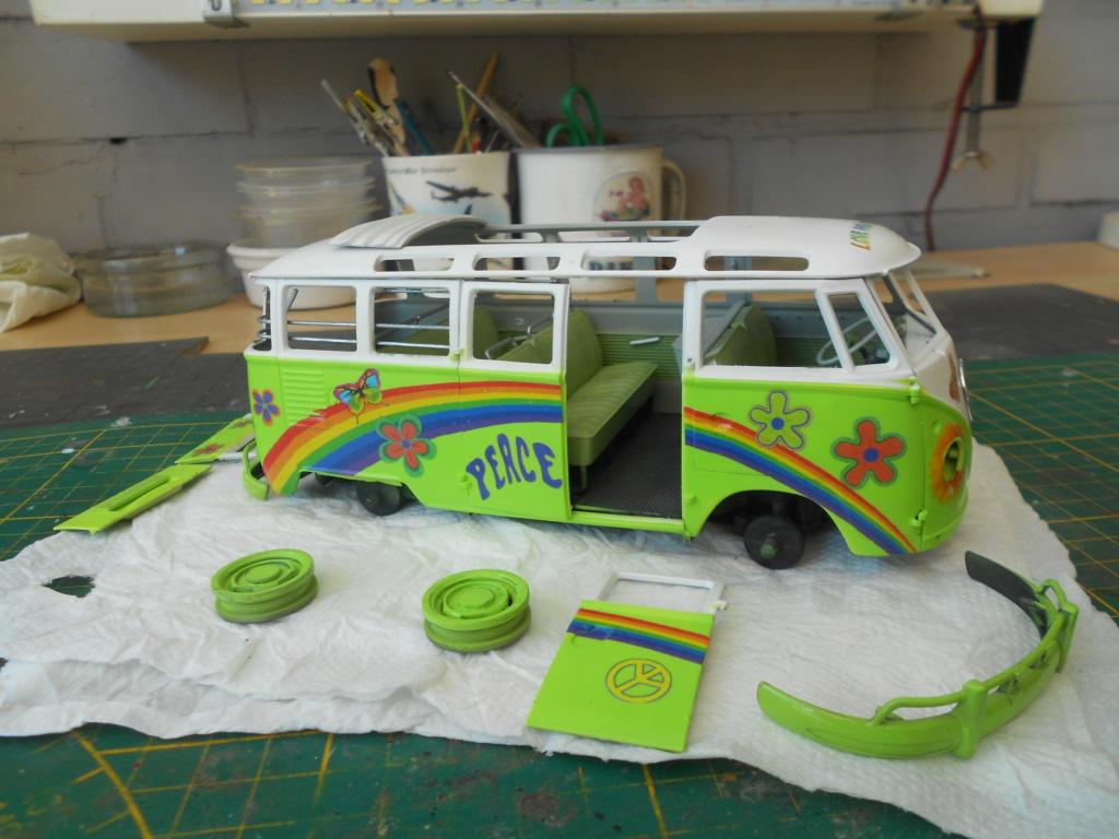 VW T1 Samba bus flower power - Revell - 1/24  Dscn6335