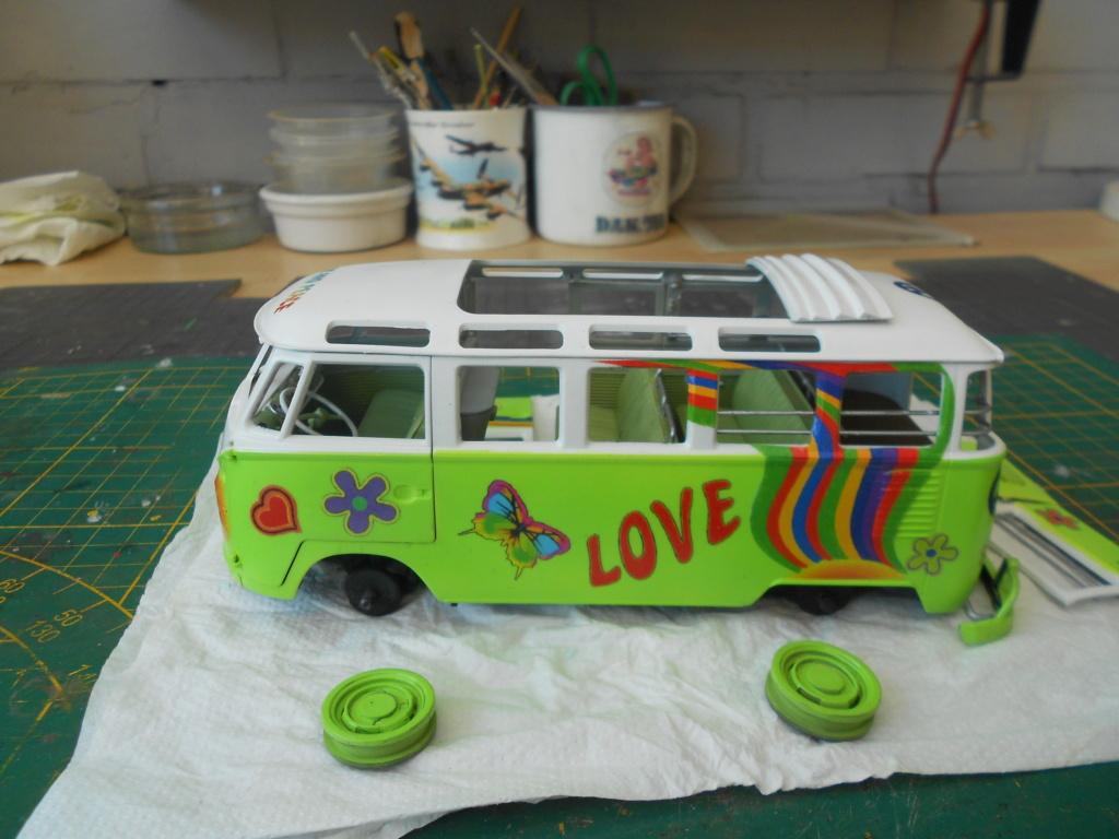 VW T1 Samba bus flower power - Revell - 1/24  Dscn6336