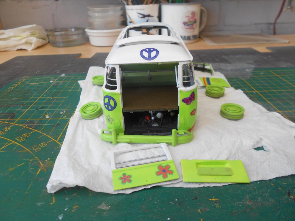 VW T1 Samba bus flower power - Revell - 1/24  Dscn6337