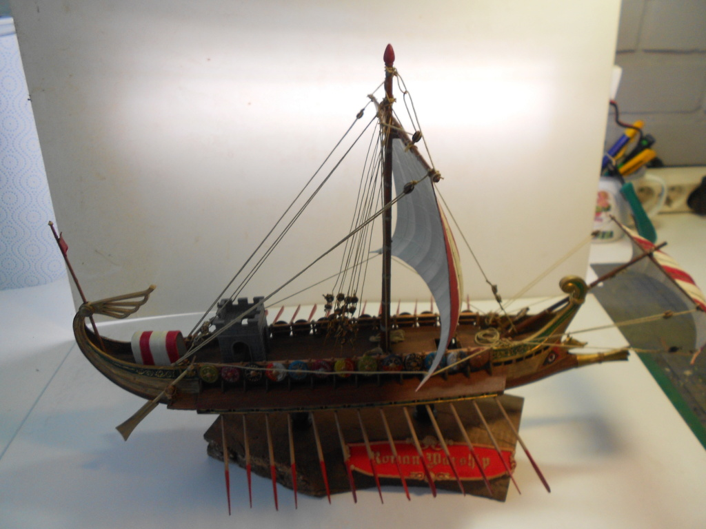 Roman Warship 1/72 Academy - Page 4 Finids13