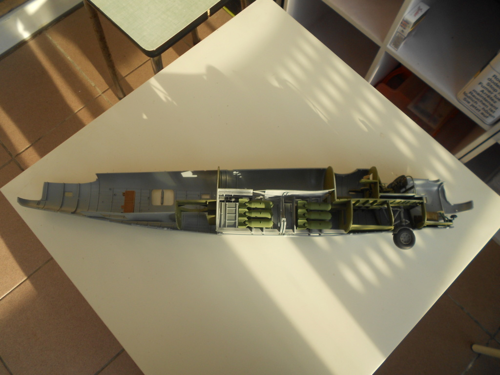 b-24j liberator au 1/32 hobby boss - Page 3 Fusela10