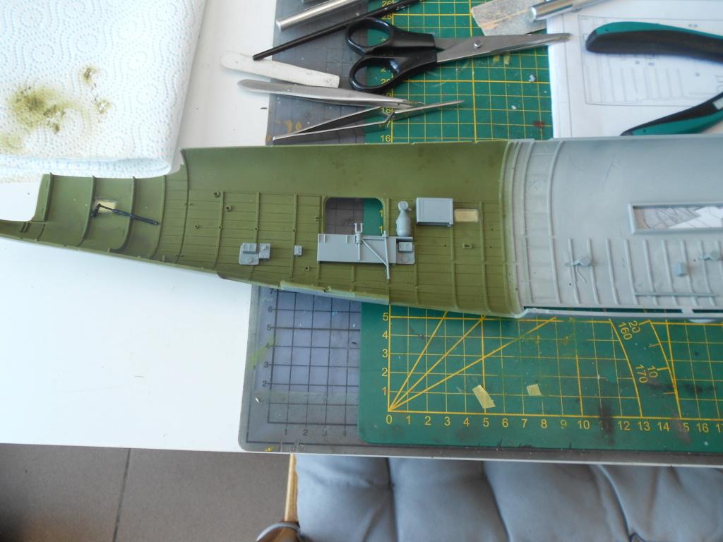 b-24j liberator au 1/32 hobby boss - Page 3 Fusela15