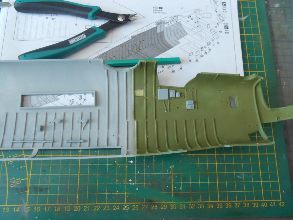 b-24j liberator au 1/32 hobby boss - Page 3 Fusela16