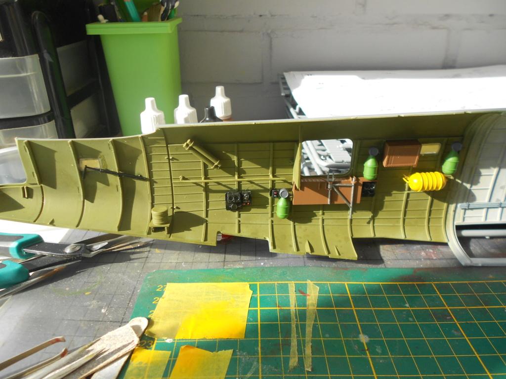 b-24j liberator au 1/32 hobby boss - Page 3 Fusela23
