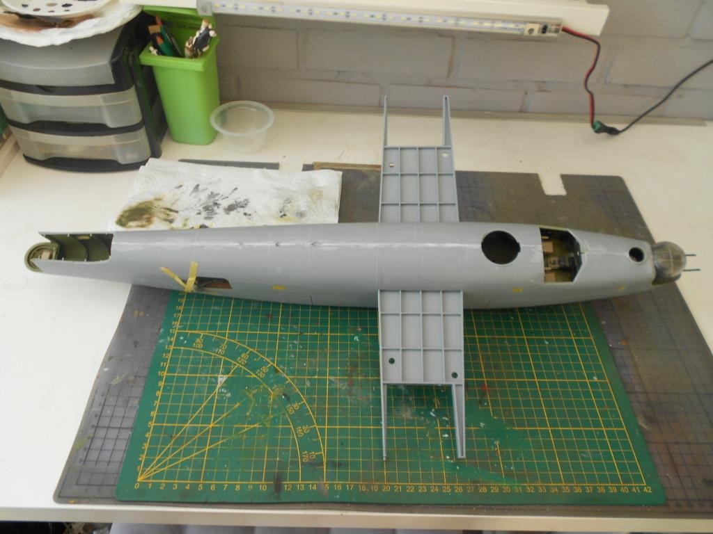 b-24j liberator au 1/32 hobby boss - Page 4 Mastic11