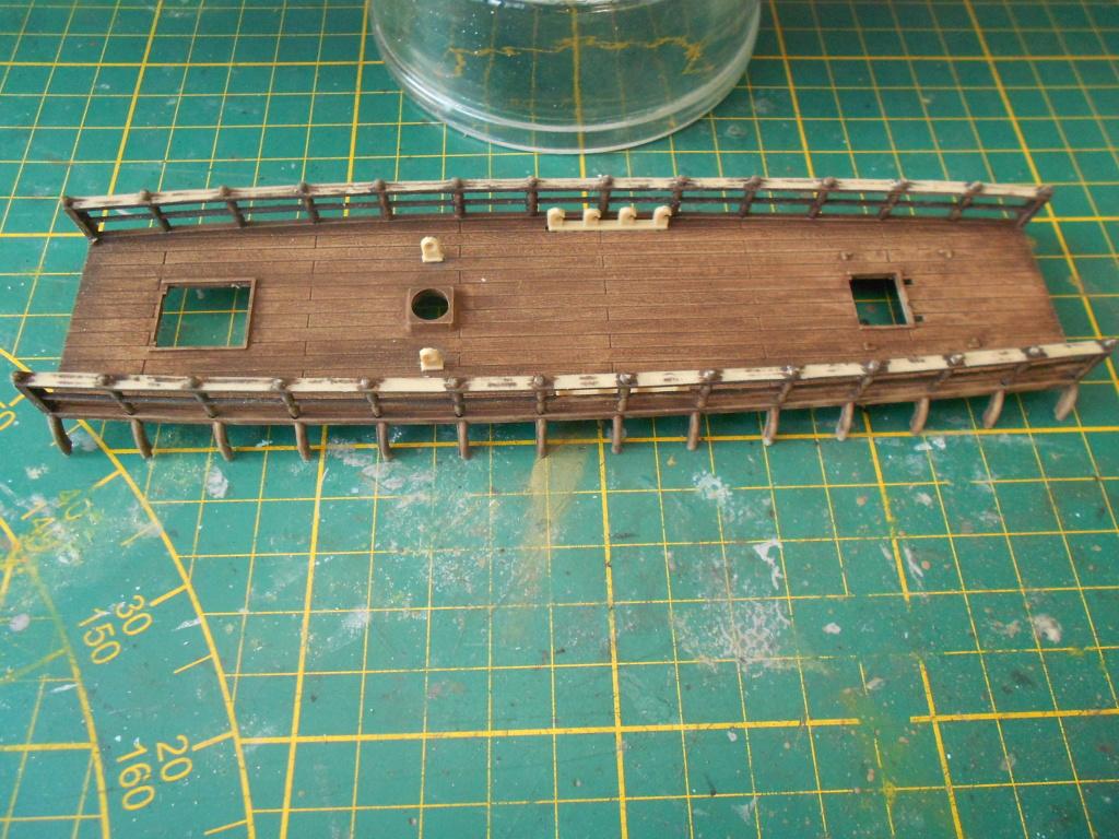 roman warship au 1/72 ème - Page 2 Pont_b11
