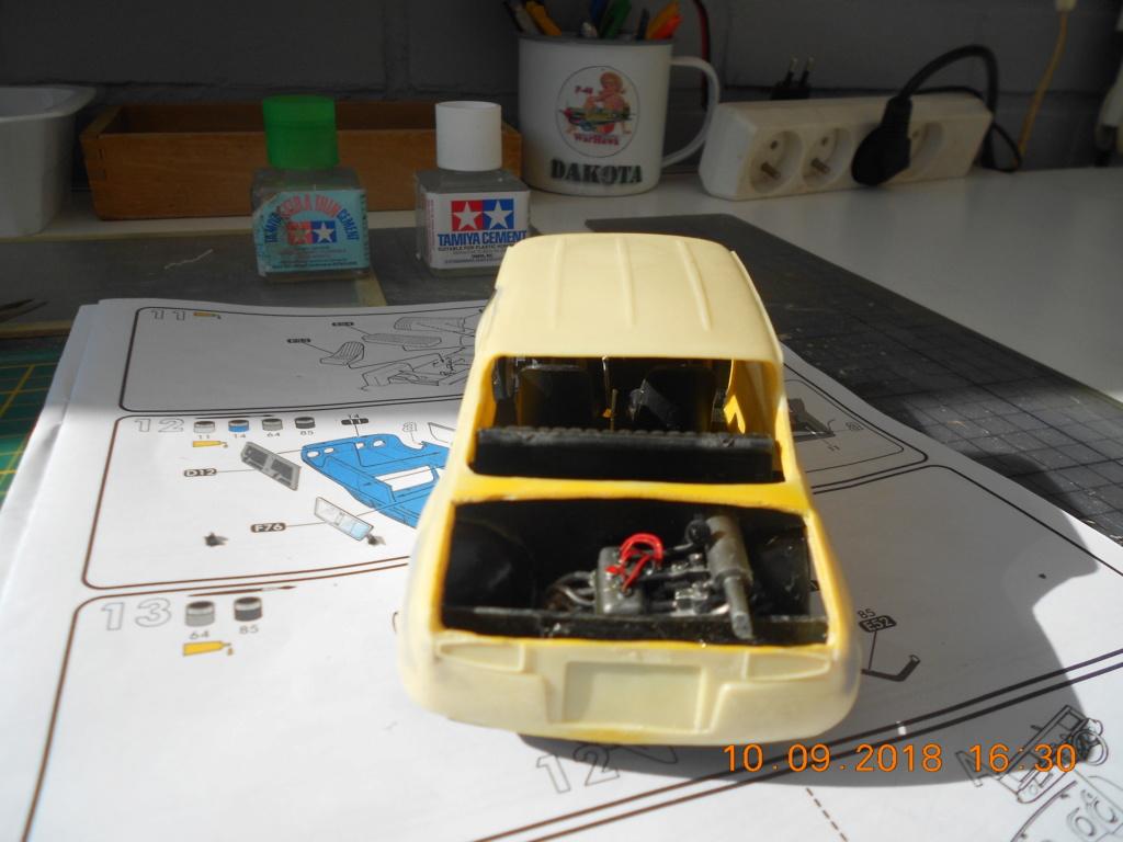 Renault R8 Gordini Heller au 1/24 R8dscn12