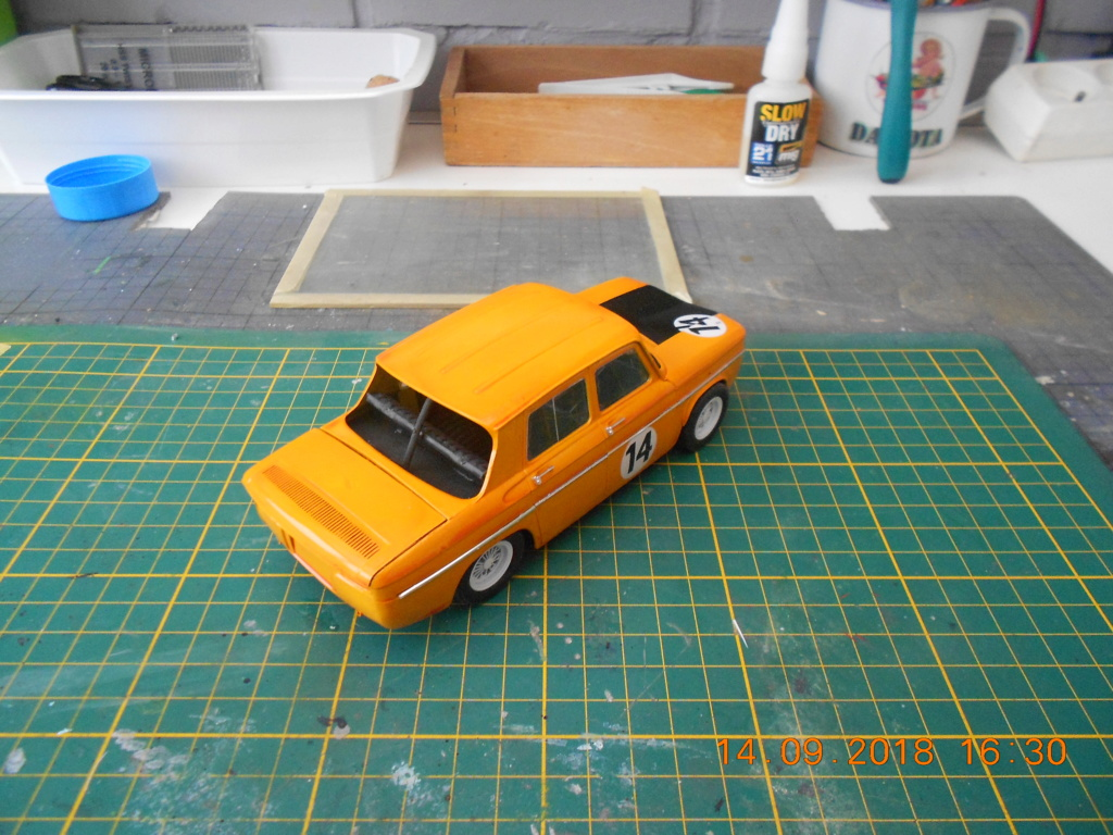 Renault R8 Gordini Heller au 1/24 R8dscn15
