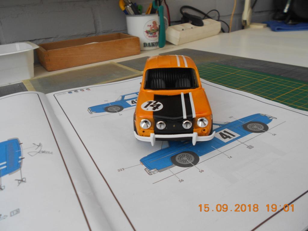 Renault R8 Gordini Heller au 1/24 R8dscn22