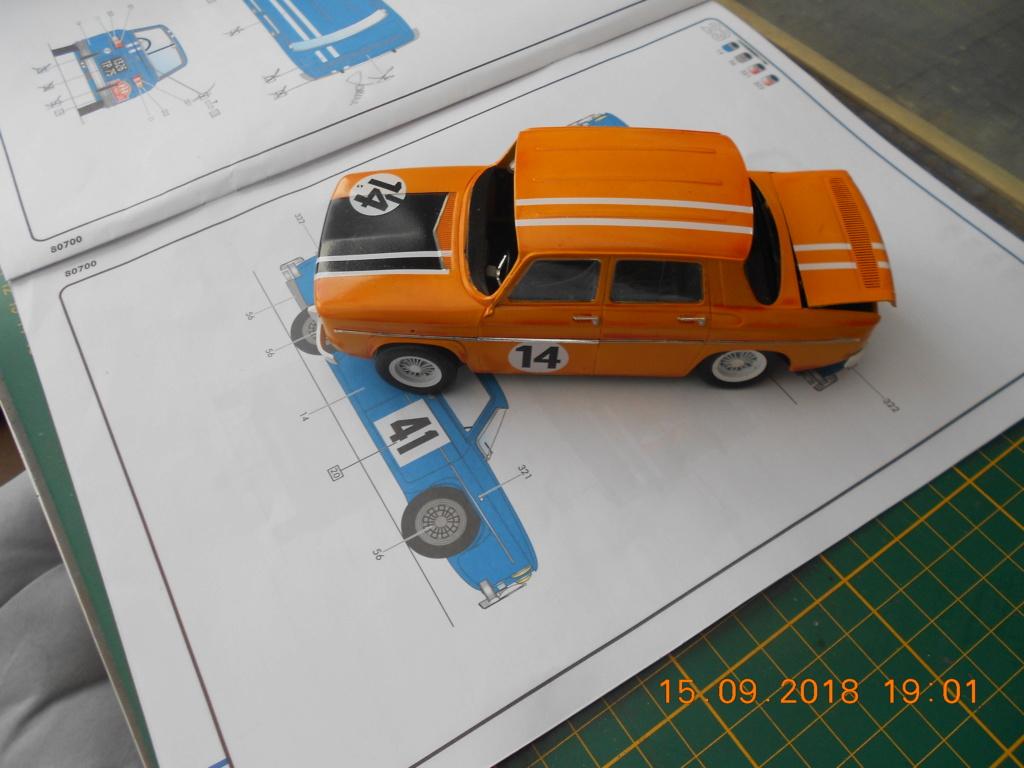Renault R8 Gordini Heller au 1/24 R8dscn23