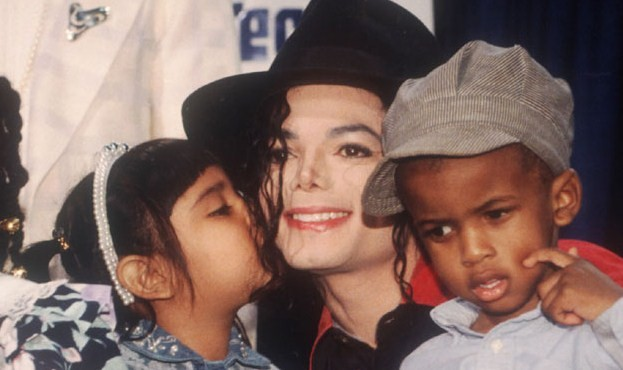 Foto di Michael e i bambini - Pagina 12 Baci12