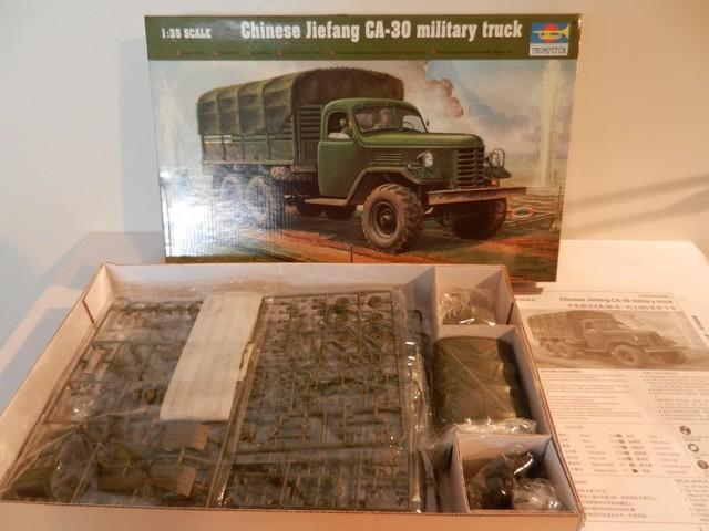 [TRUMPETER] Camion militaire chinois JIENFANG CA-30 1/35ème Réf 01002 Dscn1810