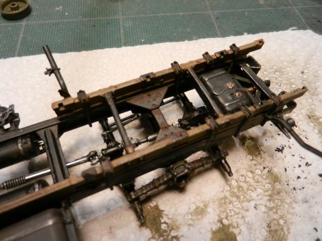 [TRUMPETER] Camion militaire chinois JIENFANG CA-30 1/35ème Réf 01002 Dscn1822