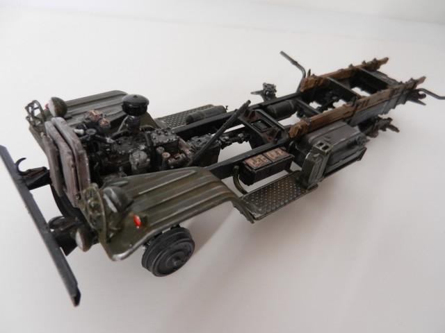 [TRUMPETER] Camion militaire chinois JIENFANG CA-30 1/35ème Réf 01002 Dscn1824