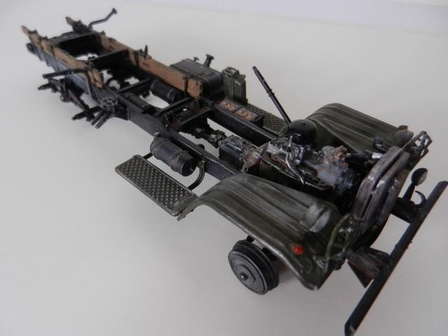 [TRUMPETER] Camion militaire chinois JIENFANG CA-30 1/35ème Réf 01002 Dscn1825