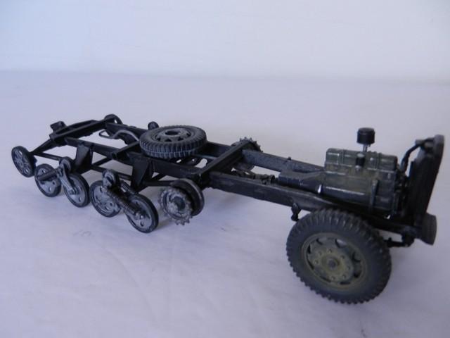 [DRAGON] Camion utilitaire Sd.Kfz.3a MAULTIER semi-chenillé 1/35ème Réf 6761 Dscn1936