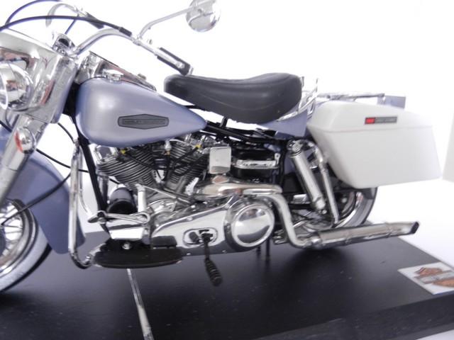 Harley-Davidson Électra Glide  Dscn8513