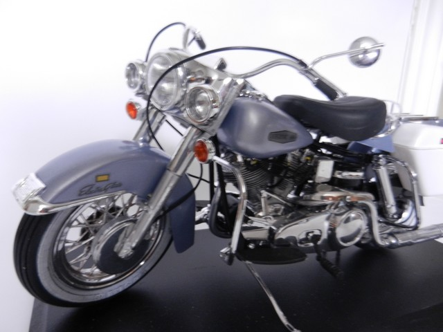 Harley-Davidson Électra Glide  Dscn8514