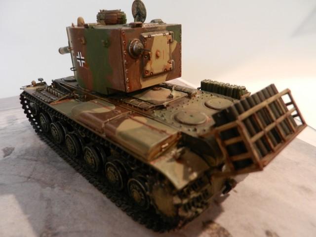 Véhicule de récupération allemand Pz.Kpfw KV-2 754  Dscn9040
