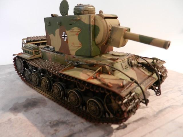 Véhicule de récupération allemand Pz.Kpfw KV-2 754  Dscn9052