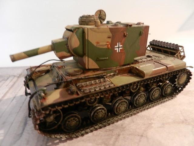 Véhicule de récupération allemand Pz.Kpfw KV-2 754  Dscn9063