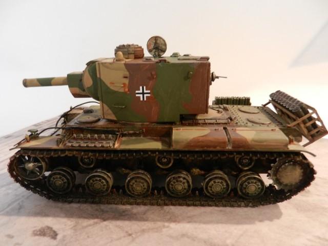 Véhicule de récupération allemand Pz.Kpfw KV-2 754  Dscn9066