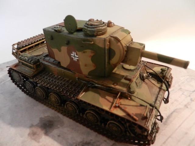 Véhicule de récupération allemand Pz.Kpfw KV-2 754  Dscn9067