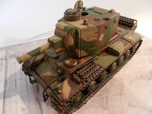 Véhicule de récupération allemand Pz.Kpfw KV-2 754  Dscn9068