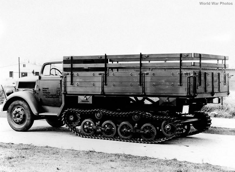 [DRAGON] Camion utilitaire Sd.Kfz.3a MAULTIER semi-chenillé 1/35ème Réf 6761 Opel_m15