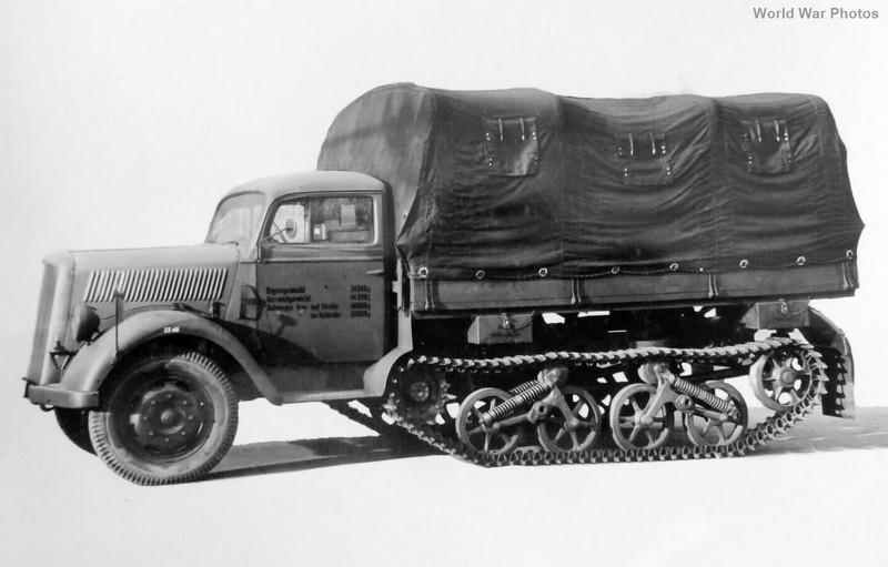 [DRAGON] Camion utilitaire Sd.Kfz.3a MAULTIER semi-chenillé 1/35ème Réf 6761 Opel_m16