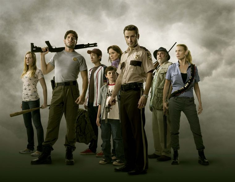THE WALKING DEAD - Page 2 19537210