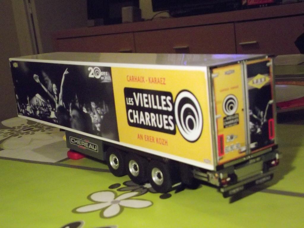 Miniatures camions 1/50 et 1/43 de David 36. - Page 4 000211