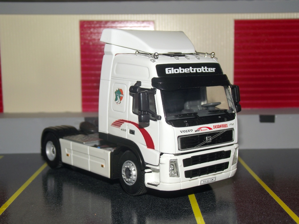 Miniatures camions 1/50 et 1/43 de David 36. Volvo_11