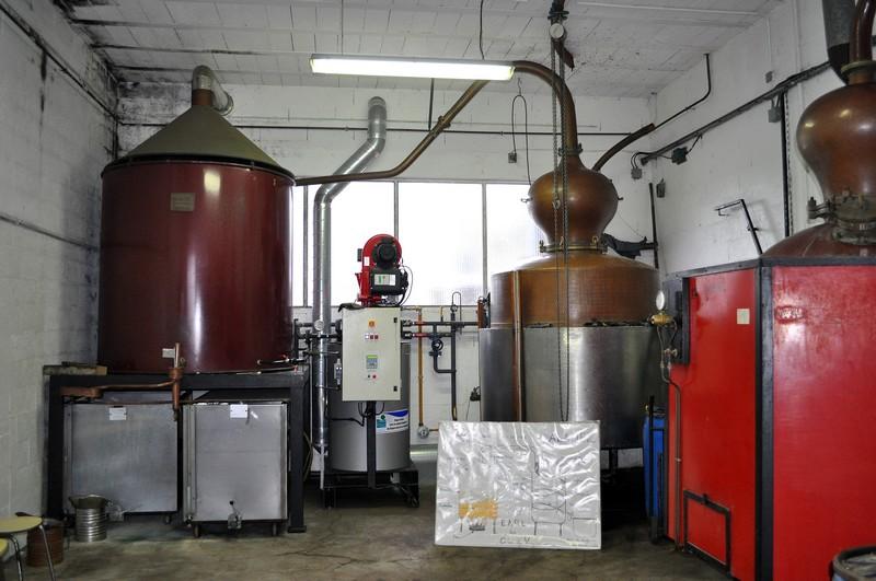 Visite de la distillerie à l'entrée de mon village. Dsc_0228
