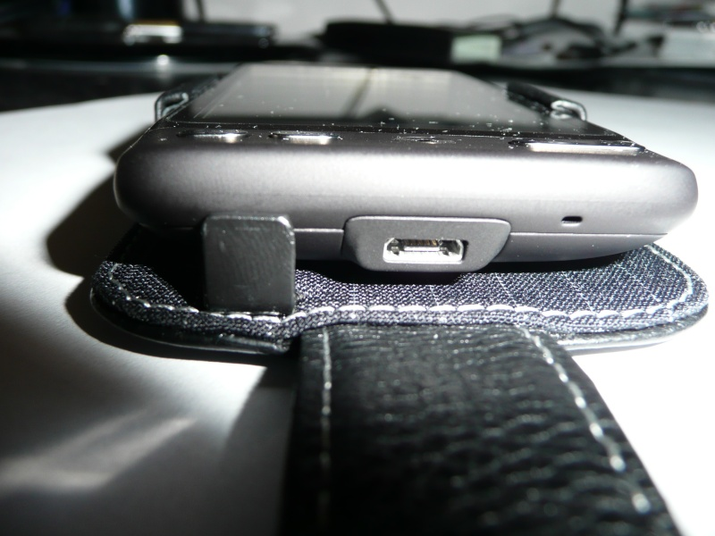 [PROPORTA] Étui Alu-Cuir Google Nexus One / HTC Desire testé sur Génération mobiles P1010926