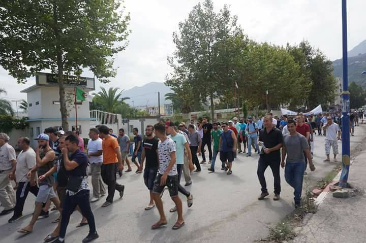 Marche contre la construction d'un Célibatorium à Aokas le 15 septembre 2018 - Page 2 10357