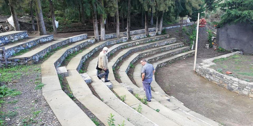 Le poète Ben Mohamed émerveillé par le théâtre de Bouteghwa, 19 octobre 2018 10702