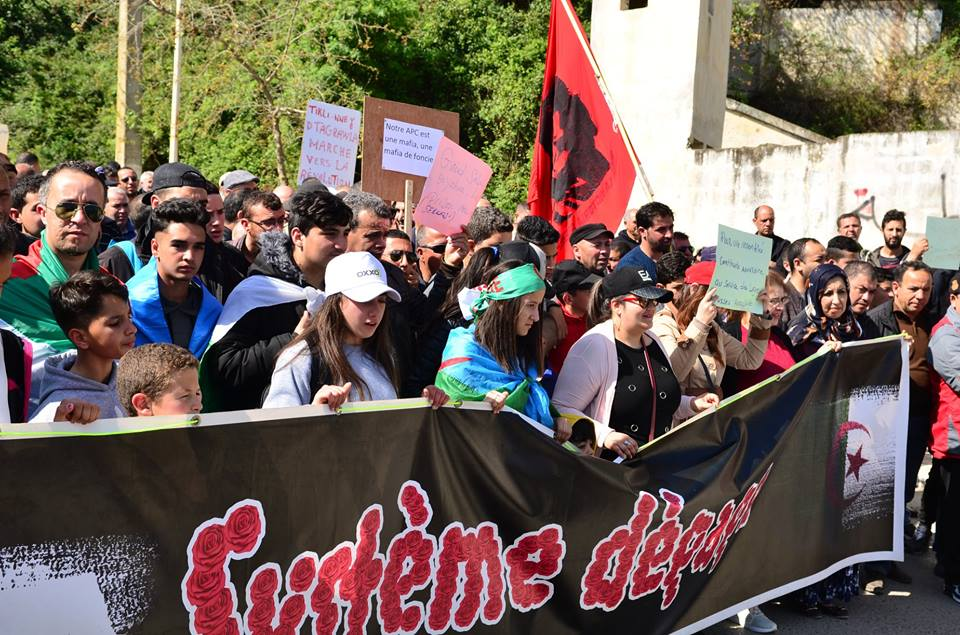Marche contre le système à Aokas le samedi 30 mars 2019 10847