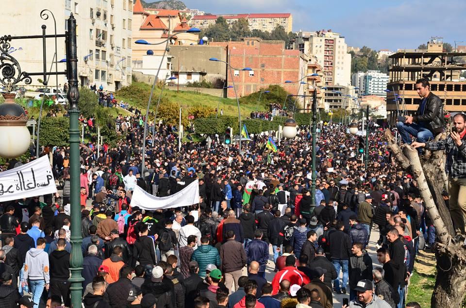 imposante marche contre le 5e mandat de Bouteflika à Bejaia le vendredi 22 février 2019 1109
